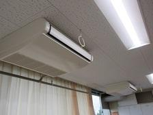 新しいエアコンとLED照明